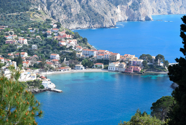 Kefalonia Taxi transfer from Kefalonia Airport, professional taxi services Kefalonia and Private Tours Kefalonia. Low-Cost Kefalonia Airport Transfers from/to Assos and Fiscardo Kefalonia. Kefalonia Taxi - Taxi Services Kefalonia - Kefalonia Taxi Transfers